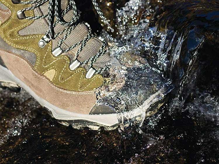 La-membrana-impermeable-de-tus-zapatillas-de-montaña